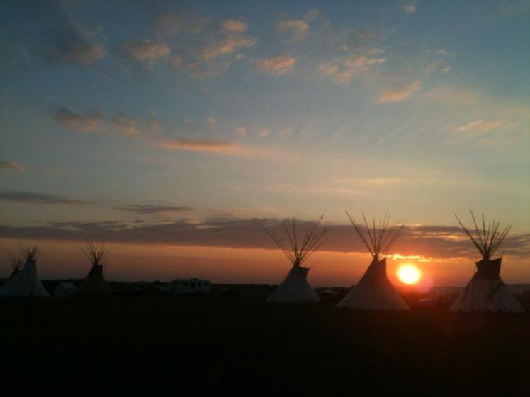 tipi_sunset